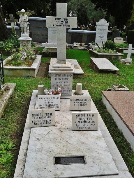 "Viennese (""Weener"") Jewish family grave"