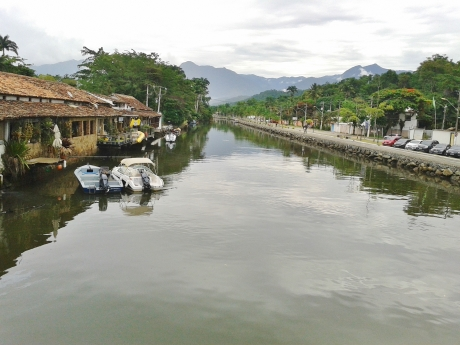 Rio Perequê-Açu canalised