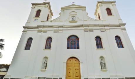 Facade of the recently restored IgrejaSão Luiz de Tolosa